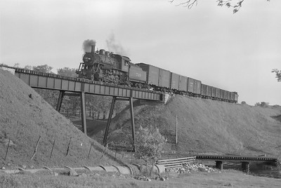 2018.15.N87.6398--ed wilkommen 6x9 neg--ICRR--steam locomotive 2-8-0 749 on freight train crossing over C&NW action--Madison WI--1952 0500