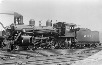 2018.15.L.6985B--ed wilkommen 5x7 COPY neg--CM&StP--steam locomotive 4-4-2 A1a 3013--location unknown--no date