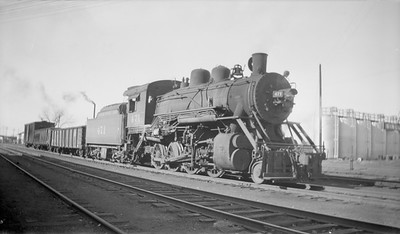 2018.15.N98A.7278--ed wilkommen 116 neg--MP--steam locomotive 2-8-0 471 with freight cars in yard--Lincoln NE--1944 1123