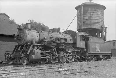 2018.15.N64.2547--ed wilkommen 6x9 neg--A&W--steam locomotive 2-8-0 351--Sturgeon Bay WI--1952 0712