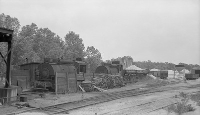 2018.15.N64.2588Q--ed wilkommen 116 neg--Consumers Company--yard scene at gravel pit--Afton WI--no date