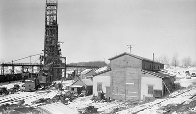 2018.15.N64.2588W--ed wilkommen 116 neg--Consumers Company--enginehouse and scene at gravel pit--Cary IL--no date