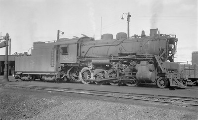 2018.15.N64.2666--ed wilkommen 116 neg--Duluth Winnipeg & Pacific--steam locomotive 2-8-0 2464--Virginia MN--no date