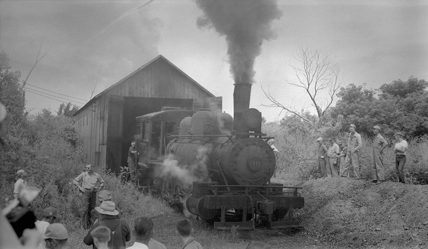 2018.15.N64F.8137--ed wilkommen 116 neg--Hooppole Yorktown & Tampico--steam locomotive 0-6-0 1315 (ex-CB&Q) last day under steam--Hooppole IL--1953 0815