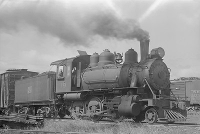 2018.15.N64.2803--ed wilkommen 6x9 neg--MT&W--steam locomotive 2-6-0 19 switching--Tomahawk WI--1952 0728
