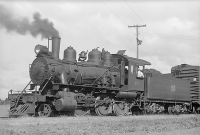 2018.15.N64.2802--ed wilkommen 6x9 neg--MT&W--steam locomotive 2-6-0 19 switching--Tomahawk WI--1952 0728