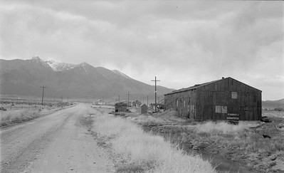2018.15.N64.2930--ed wilkommen 116 neg--San Luis Valley Southern--enginehouse scene--Blanca CO--no date