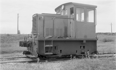 2018 15 N64 2569--ed wilkommen 116 neg--Charles City Western--GE gas-mechanical locomotive 200--Charles City IA--no date