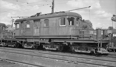 2018.15.N64.2725L--ed wilkommen 116 neg--IT--electric locomotive 1590--location unknown--no date