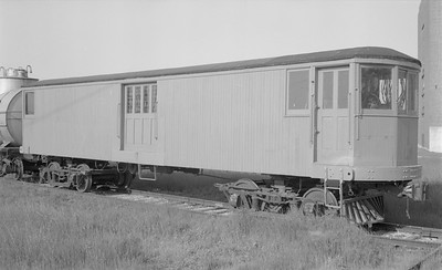2018.15.N59.2000--ed wilkommen 116 neg--electric baggage car--location unknown--no date