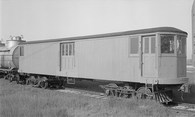 2018.15.N59.2001--ed wilkommen 116 neg--electric baggage car--location unknown--no date
