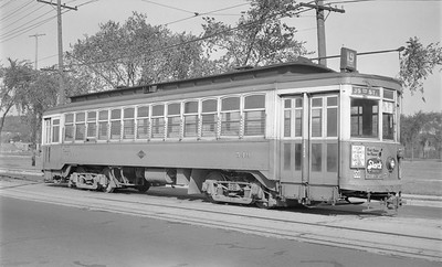 2018.15.N91B.6620--ed wilkommen 116 neg--TMER&L--streetcar 549 on route 19 at 34th and Burnham--Milwaukee WI--no date