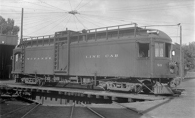 2018.15.N64.3023--ed wilkommen 116 neg--WCF&N--electric linecar 80 on turntable--Waterloo IA--1954 0718