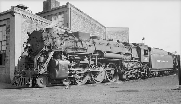 2018.15.N95A.7193--ed wilkommen 116 neg [Edward R Batson Jr]--B&A--steam locomotive 4-6-4 J-2a 601--Boston MA--1950 0730