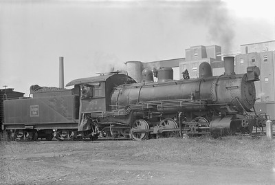 2018.15.N69.5457--ed wilkommen 6x9 neg--CB&Q--steam locomotive 0-6-0 G-10 582--Clinton IA--no date