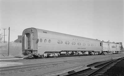 2018.15.N69.5544--ed wilkommen 116 neg--CB&Q--passenger train 15 with gas-electric motorcar--Wymore NE--1960 1100