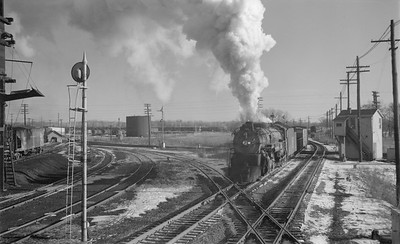 2018.15.N69.5543A--ed wilkommen 116 neg--CB&Q--steam locomotive on northbound freight train action--Savanna IL--1953 1224