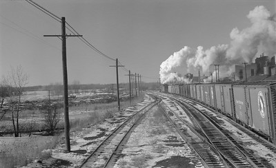 2018.15.N69.5543B--ed wilkommen 116 neg--CB&Q--steam locomotive on northbound freight train action--Savanna IL--1953 1224