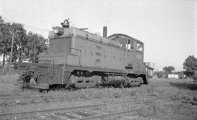 2018.15.N68B.4824--ed wilkommen 116 neg--CMStP&P--diesel locomotive EMD 1618 (later 955)--Milwaukee WI--1946 0801