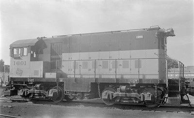 2018.15.N68B.4821--ed wilkommen 116 neg--CMStP&P--diesel locomotive ALCO 1601 (later 2nd 981)--Davenport IA--1954 0200