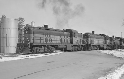 2018.15.N68B.4814D--ed wilkommen 6x9 neg--CMStP&P--ALCO diesel locomotive 596 594 572 action--location unknown--no date