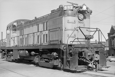 2018.15.N68B.4818--ed wilkommen 6x9 neg--CMStP&P--diesel locomotive ALCO 993 on Beer Line--Milwaukee WI--1950 0900