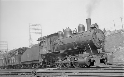2018.15.N68F.4960--ed wilkommen 116 neg--CMStP&P--steam locomotive 0-6-0 I5a 1432 switching in yard action--Milwaukee WI--1939 0506