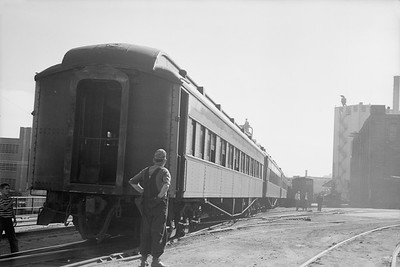 2018.15.N68F.4959--ed wilkommen 6x9 neg--CMStP&P--coaches at Walnut St on NMRA passenger fantrip special--Milwaukee WI--1950 0902