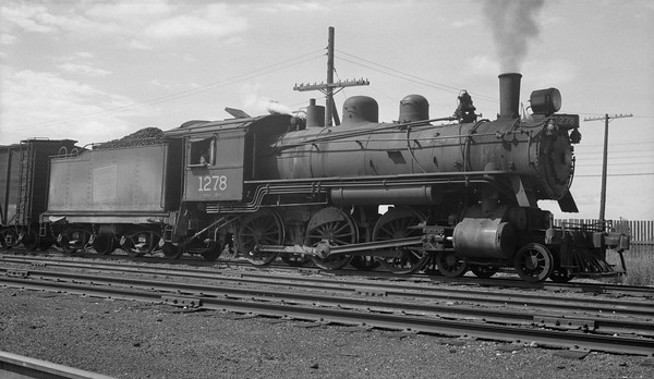 2018.15.N82.6302D--ed wilkommen 116 neg--CNR--steam locomotive 4-6-0 H-6-c 1278--location unknown--no date