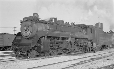 2018.15.N83.6337--ed wilkommen 116 neg--CP--steam locomotive 4-6-2 G3F 2370--Brandon MB--1948 1127