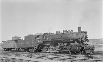 2018.15.N83.6349--ed wilkommen 116 neg--CP--steam locomotive 2-10-0 R3D 5781 with caboose--Minnedosa MB--1958 0911