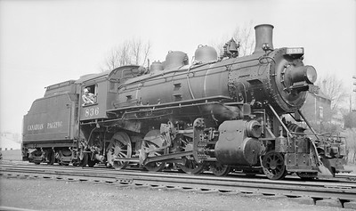 2018.15.N83.6334M--ed wilkommen 116 neg [Stan Mailer]--CP--steam locomotive 4-6-0 D10E 836--London ON--1957 0425