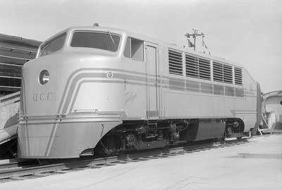 2018.15.N54.6918--ed wilkommen 6x9 neg--Chicago Railroad Fair--Talgo diesel locomotive--Chicago IL--1949 0000