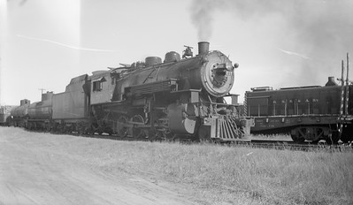 2018.15.N92A.7106--ed wilkommen 116 neg--DSS&A--steam locomotive 2-8-0 F-6 717 switching in yard action--Shingleton MI--1946 0724