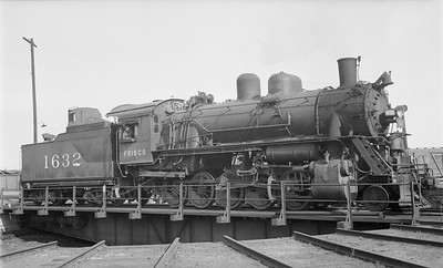 2018.15.N89.6533--ed wilkommen 116 neg--SLSF--steam locomotive 2-10-0 1632 on turntable--location unknown--no date