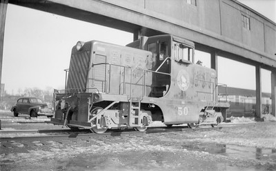 2018.15.N71.5567--ed wilkommen 116 neg--GN--diesel locomotive GE 50--Minneapolis MN--1945 0211
