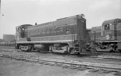 2018.15.N71.5572--ed wilkommen 116 neg--GN--diesel locomotive BLW switcher 132--Minneapolis MN--1949 0515
