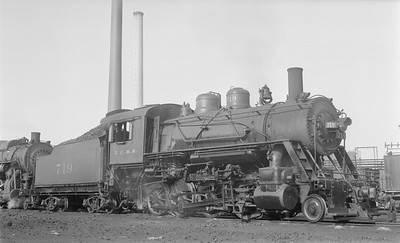 2018.15.N87.6396--ed wilkommen 116 neg--ICRR--steam locomotive 2-8-0 719--Paducah KY--1956 0621