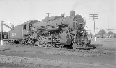 2018.15.N87.6403X--ed wilkommen 116 neg [Dick Billings]--ICRR--steam locomotive 2-8-2 1285 taking water--Carbondale IL--1956 0821
