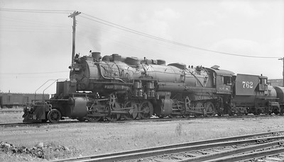 2018.15.N96B.7235--ed wilkommen 116 neg--KCS--steam locomotive 2-8-8-0 762--Shreveport LA--1948 0912