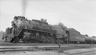 2018.15.N96B.7237--ed wilkommen 116 neg--KCS--steam locomotive 2-10-4 905 on freight train--Kansas City MO--1944 1219