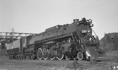 2018.15.L.6977--ed wilkommen pc neg--CMStP&P--steam locomotive 4-8-4 S3 261--Green Bay WI--no date