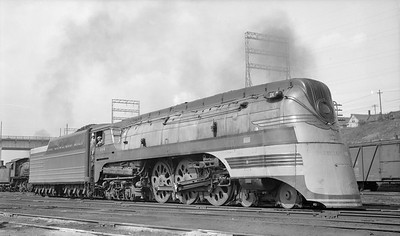 2018.15.L.6970--ed wilkommen pc neg--CMStP&P--steam locomotive 4-6-4 F7 104 (streamlined)--Milwaukee WI--1940 0922