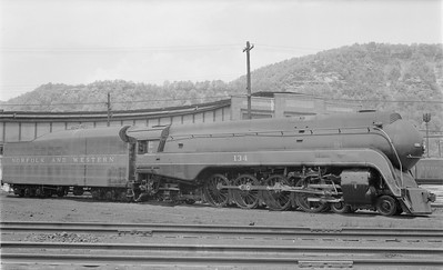 2018.15.N79.6173--ed wilkommen 116 neg--N&W--steam locomotive 4-8-2 K2a 134 (streamlined)--Portsmouth OH--1957 0428