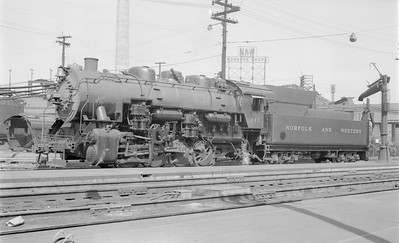 2018.15.N79.6176--ed wilkommen 116 neg--N&W--steam locomotive 0-8-0 S1a 243--Roanoke VA--1955 0409