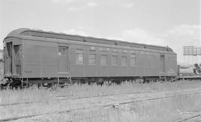 2018.15.N48.1625--ed wilkommen 116 neg--passenger car (RPO)--CB&Q--location unknown--no date
