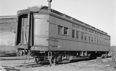 2018.15.N48.1631--ed wilkommen 116 neg--passenger car (coach)--PGE--location unknown--no date