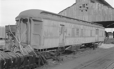 2018.15.N48.1634--ed wilkommen 116 neg--passenger car (RPO)--TC--location unknown--no date