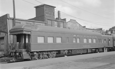 2018.15.N48.1636--ed wilkommen 116 neg--passenger car (obs)--SOU--location unknown--no date