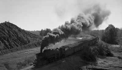 2018.15.N64.2555H--ed wilkommen 116 neg--Bevier & Southern--steam locomotive 2-8-2 4943 (leased from CB&Q) with loads--near Binkley MO--no date